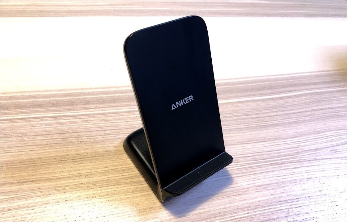 Anker PowerWave 7.5 Standの外観1