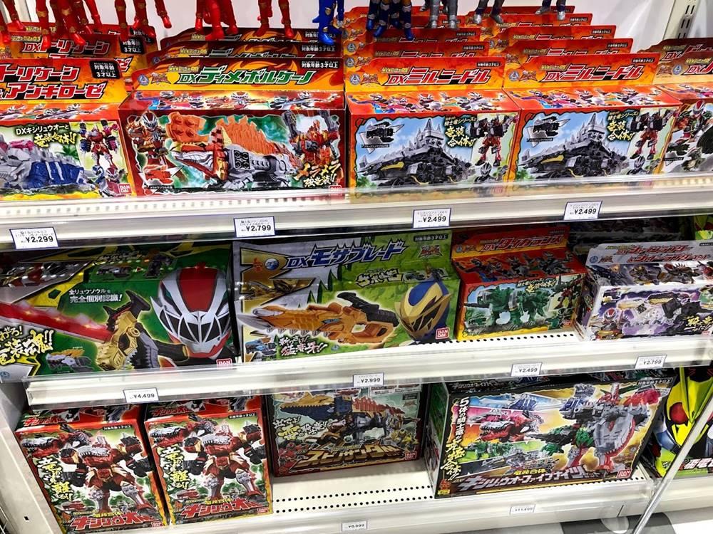 リュウソウジャーのおもちゃ売り場の画像
