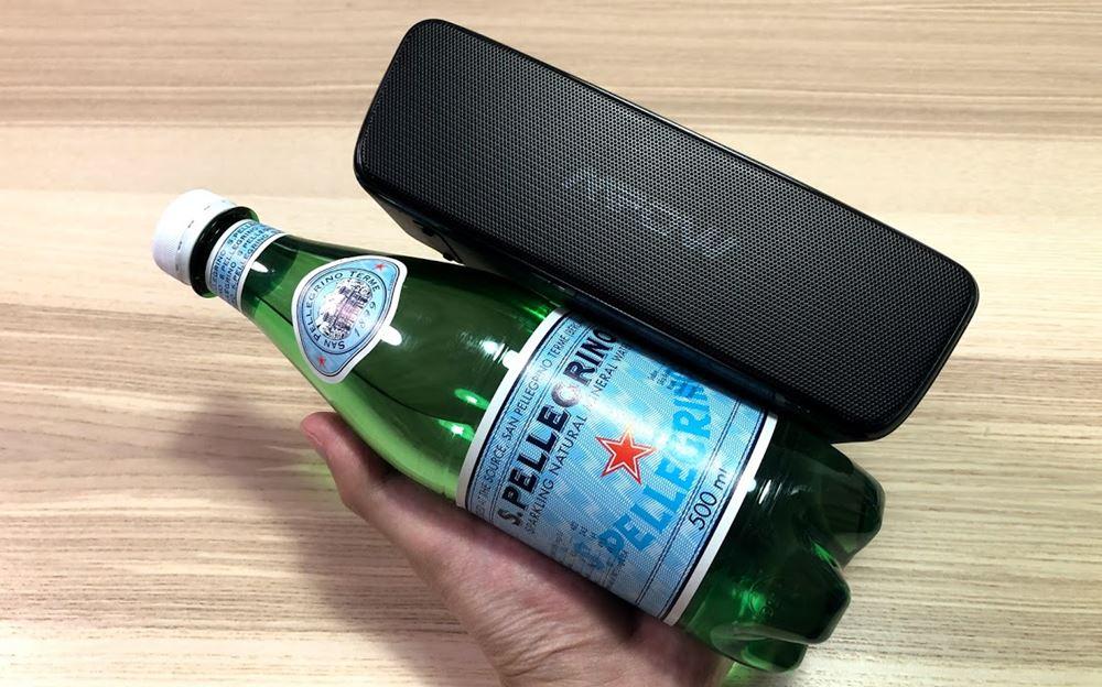 Mpow Soundhot R6のサイズはペットボトルよりも小さい