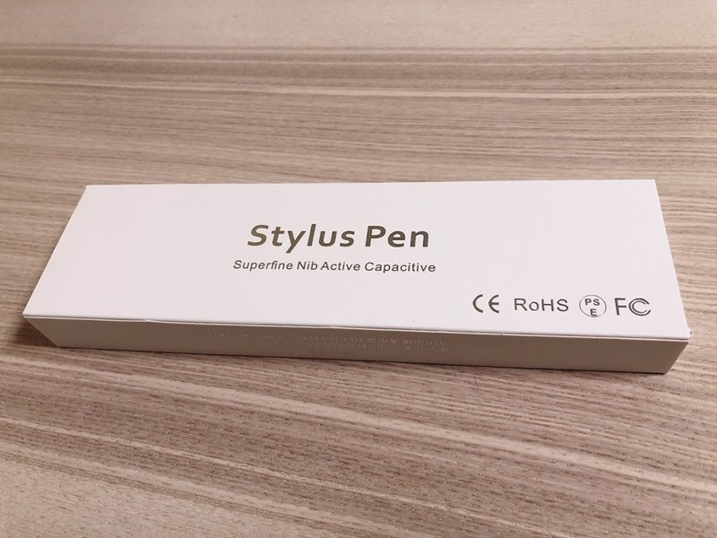 Amazonで購入したスタイラスペンのパッケージ