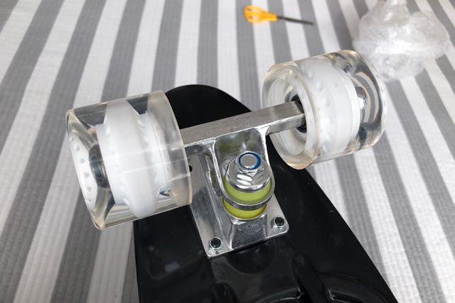 ENKEEO スケートボードのウィールの画像