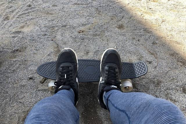 ENKEEO スケートボードは意外と小さい