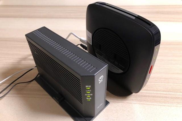 ONUと無線LANルーターの画像