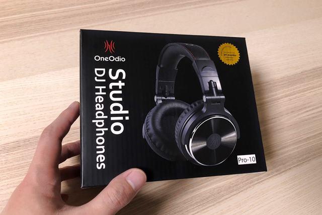 OneOdio Pro10のパッケージ