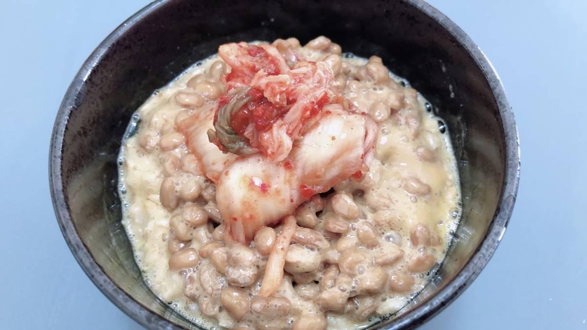 オートミール生卵納豆キムチ