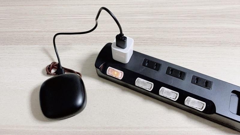 COUMI ANC-860を充電している様子