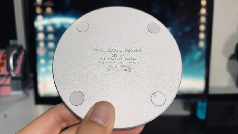 IMDEN ワイヤレス充電器の裏面の拡大図