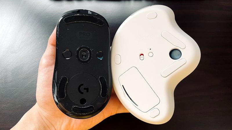 ロジクール プロマウスとM575の裏面の画像