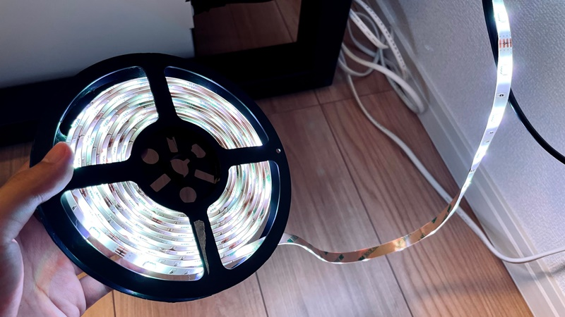 Lepro LEDテープライトを光らせている様子